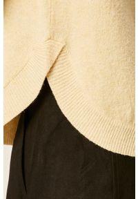 Żółty sweter Vero Moda raglanowy rękaw, z okrągłym kołnierzem