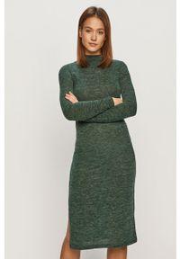Zielona sukienka Noisy may z długim rękawem, prosta, midi, casualowa