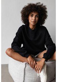 Marsala - Bluza damska o kroju regular fit w kolorze TOTALLY BLACK - BASKET BY MARSALA. Materiał: dresówka, bawełna, jeans, dzianina, poliester. Sezon: lato, jesień, wiosna, zima. Styl: klasyczny