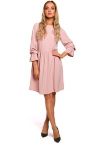 MOE - Romantyczna sukienka z odcięciem w talii. Materiał: elastan, materiał. Typ sukienki: dopasowane