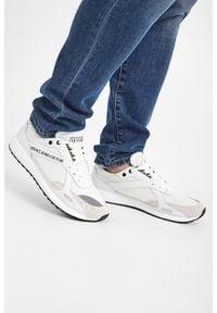 Versace Jeans Couture - SNEAKERSY VERSACE JEANS COUTURE. Nosek buta: okrągły. Zapięcie: sznurówki. Materiał: materiał. Wzór: aplikacja