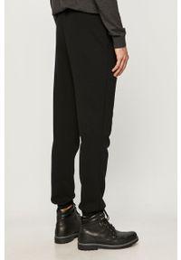 Czarne spodnie dresowe Jack & Jones