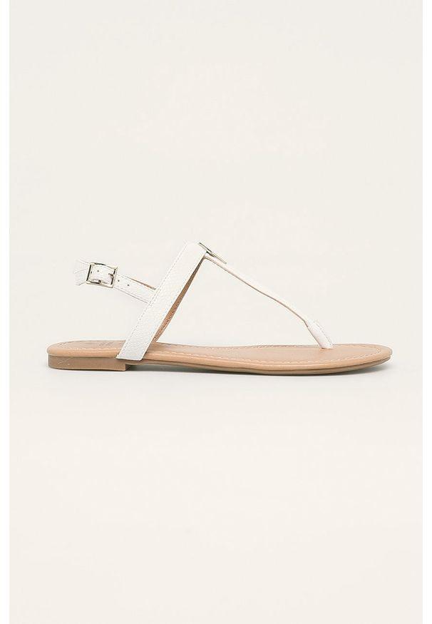 Białe sandały Call It Spring na klamry