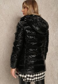 Renee - Czarna Kurtka Meganthe. Kolor: czarny. Materiał: tkanina, skóra. Wzór: aplikacja. Sezon: jesień, zima