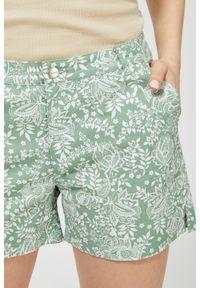 Zielone szorty MOODO na co dzień, casualowe, z nadrukiem
