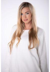 e-margeritka - Długa bawełniana bluza oversize - Kremowy, U. Okazja: na co dzień. Kolor: kremowy. Materiał: bawełna. Długość: długie. Styl: casual