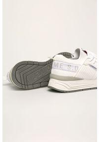 Białe sneakersy s.Oliver z okrągłym noskiem, na sznurówki, z cholewką