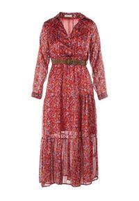 Born2be - Bordowa Sukienka Wilkas. Typ kołnierza: kołnierz z falbankami. Kolor: czerwony. Długość rękawa: długi rękaw. Wzór: kwiaty. Typ sukienki: kopertowe. Styl: elegancki. Długość: midi