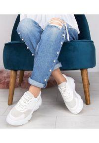 Buty sportowe damskie N/M F215 Białe. Kolor: biały. Materiał: tworzywo sztuczne. Obcas: na obcasie. Wysokość obcasa: niski