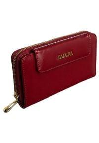 Portfel damski czerwony Badura B-8808P-BPR RED. Kolor: czerwony. Materiał: skóra