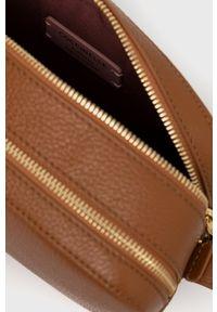 Coccinelle - Torebka skórzana Lea. Kolor: brązowy. Materiał: skórzane