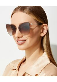 Tom Ford - TOM FORD - Brązowe okulary przeciwsłoneczne Presley. Kształt: motyl. Kolor: brązowy. Materiał: materiał