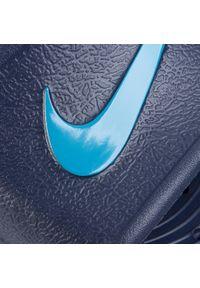 Niebieskie klapki na basen Nike