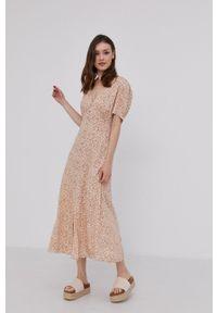 Answear Lab - Sukienka. Kolor: beżowy. Materiał: tkanina. Długość rękawa: krótki rękaw. Typ sukienki: rozkloszowane. Styl: wakacyjny