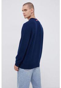 Mc2 Saint Barth - MC2 Saint Barth - Sweter wełniany. Okazja: na co dzień. Kolor: niebieski. Materiał: wełna. Długość rękawa: długi rękaw. Długość: długie. Wzór: aplikacja. Styl: casual