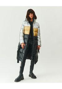 MMC STUDIO - Pikowany płaszcz puchowy Oslo. Kolor: czarny. Materiał: puch. Długość: długie. Wzór: aplikacja. Styl: klasyczny