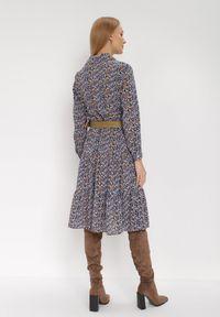 Born2be - Granatowa Sukienka Noroe. Typ kołnierza: dekolt w kształcie V. Kolor: niebieski. Wzór: kwiaty, aplikacja. Styl: klasyczny, elegancki. Długość: midi