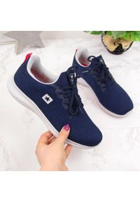 Niebieskie buty sportowe NEWS