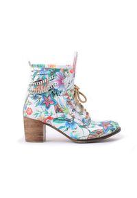 Botki Zapato wąskie, z cholewką za kostkę, na zimę, w kolorowe wzory
