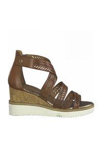 Brązowe sandały Tamaris na koturnie, na rzepy