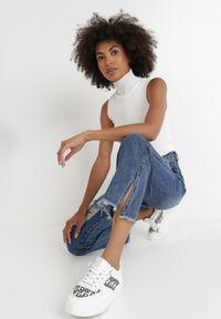 Born2be - Niebieskie Jeansy Straight Nesaia. Stan: podwyższony. Kolor: niebieski. Długość: długie. Wzór: aplikacja