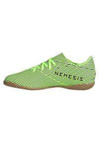 Adidas - Buty piłkarskie dla dzieci adidas Nemeziz Messi 19.4 IN Jr FV4012. Zapięcie: sznurówki. Materiał: guma, materiał, syntetyk. Szerokość cholewki: normalna. Sport: piłka nożna