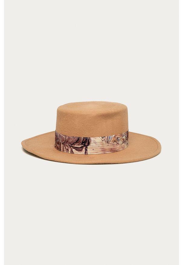Złoty kapelusz Scotch & Soda z aplikacjami