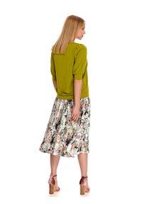 TOP SECRET - Gładka bluza z bufkami. Okazja: na co dzień. Kolor: zielony. Materiał: materiał. Wzór: gładki. Sezon: jesień. Styl: casual