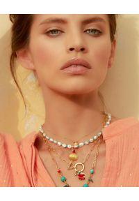 MOKOBELLE - Choker z pereł i morganitów z muszelką. Materiał: pozłacane. Kolor: biały. Kamień szlachetny: morganit, perła