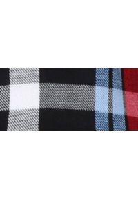 TOP SECRET - Koszula z długim rękawem w kratę. Okazja: na co dzień. Kolor: czerwony. Materiał: jeans, bawełna. Długość rękawa: długi rękaw. Długość: długie. Sezon: jesień, zima. Styl: casual