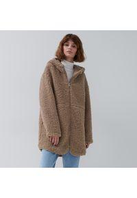 House - Płaszcz typu teddy z imitacji futra - Beżowy. Kolor: beżowy. Materiał: futro