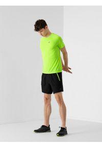 4f - Spodenki do biegania szybkoschnące męskie. Kolor: czarny. Materiał: dzianina, skóra. Sport: fitness