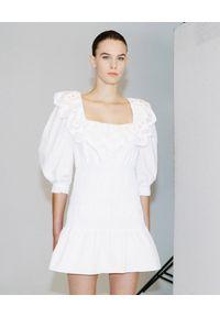 SELF PORTRAIT - Biała sukienka mini z koronką. Okazja: na imprezę. Typ kołnierza: dekolt kwadratowy. Kolor: biały. Materiał: koronka. Wzór: koronka. Długość: mini