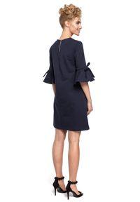 MOE - Trapezowa sukienka z miękkiej bawełnianej dzianiny. Materiał: bawełna, dzianina. Typ sukienki: trapezowe. Długość: mini