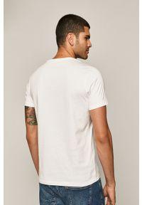 Biały t-shirt medicine z okrągłym kołnierzem, casualowy, na co dzień