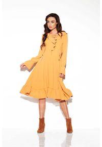 Lemoniade - Kamelowa Sukienka w Stylu Boho ze Sznurowanym Dekoltem. Materiał: wiskoza, poliester. Styl: boho