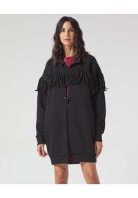 Manila Grace - MANILA GRACE - Czarna kurtka maxi z frędzelkami. Kolor: czarny. Materiał: polar. Wzór: aplikacja