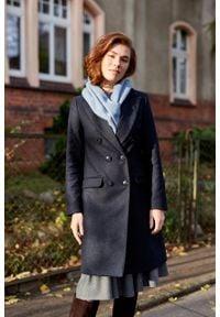 Marie Zélie - Płaszcz wełniany Debora granatowy. Kolor: niebieski. Materiał: wełna. Wzór: motyw zwierzęcy. Sezon: zima. Styl: klasyczny