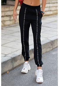 Czarne spodnie IVET sportowe, na co dzień