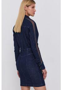 Patrizia Pepe - Sukienka jeansowa. Kolor: niebieski. Materiał: jeans. Długość rękawa: długi rękaw. Typ sukienki: dopasowane