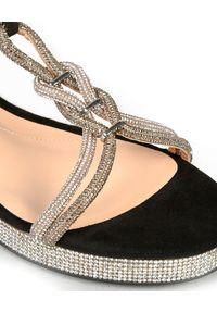 Baldinini - BALDININI - Sandały z kryształami Swarovskiego. Zapięcie: klamry. Kolor: czarny. Materiał: zamsz. Wzór: paski