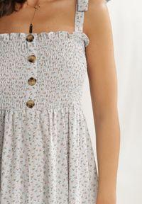 Renee - Jasnoniebieska Sukienka Periliria. Typ kołnierza: dekolt kwadratowy. Kolor: niebieski. Materiał: tkanina. Długość rękawa: na ramiączkach. Wzór: kwiaty, aplikacja. Długość: maxi