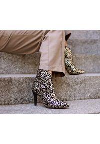 Złote botki Zapato w kwiaty, eleganckie, wąskie