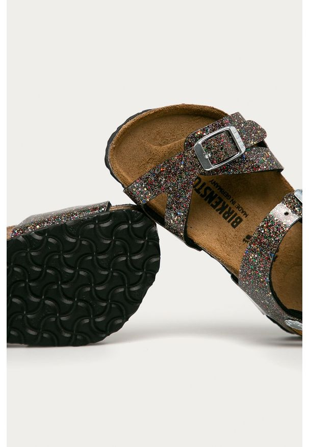Czarne sandały Birkenstock na klamry