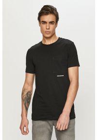 Czarny t-shirt Calvin Klein Jeans casualowy, na co dzień, gładki