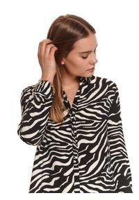 TOP SECRET - Koszulowa sukienka z nadrukiem w zebrę i falbaną. Okazja: do pracy. Kolor: czarny. Materiał: dzianina. Długość rękawa: długi rękaw. Wzór: motyw zwierzęcy, nadruk. Sezon: lato. Typ sukienki: koszulowe. Styl: wakacyjny