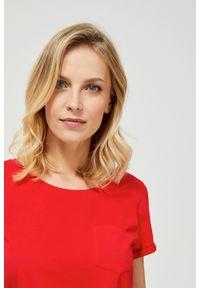 Czerwona bluzka MOODO klasyczna, z krótkim rękawem