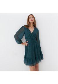 Mohito - Sukienka w kropki - Zielony. Kolor: zielony. Wzór: kropki