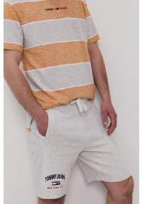 Tommy Jeans - Szorty. Kolor: szary. Materiał: bawełna, dzianina
