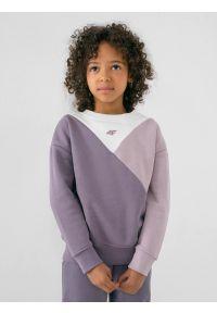 4f - Bluza dresowa nierozpinana bez kaptura dziewczęca. Typ kołnierza: bez kaptura. Kolor: fioletowy. Materiał: dresówka